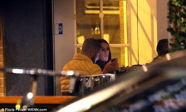 Drake podría estar engañando a JLo con una actriz porno Drake3