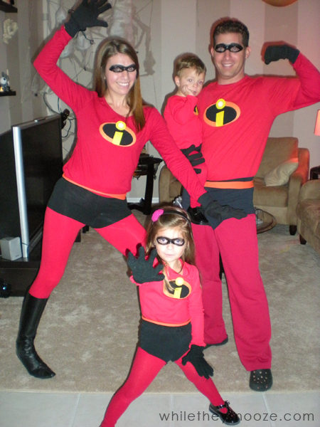 While They Snooze How to Make The Incredibles Halloween Costumes + Costume Contest  sc 1 st  While They Snooze & While They Snooze: How to Make The Incredibles Halloween Costumes + ...
