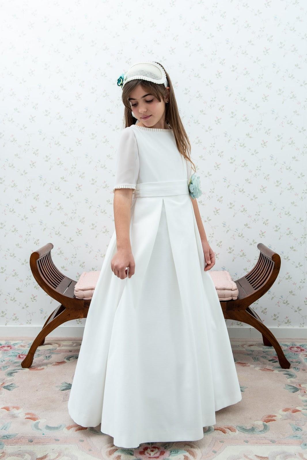 8873c6d8e Nuestra nueva colección de Primera Comunión sigue fiel a un estilo  elegante, original y siempre pensando en que cada niña encuentre su vestido  ideal.