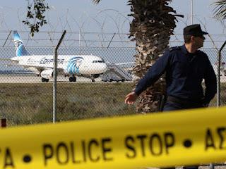 مصر کے اغوا کئے گئے مسافر طیارہ میں سوار بیشتر مسافرین کو آزاد کردیا گیا