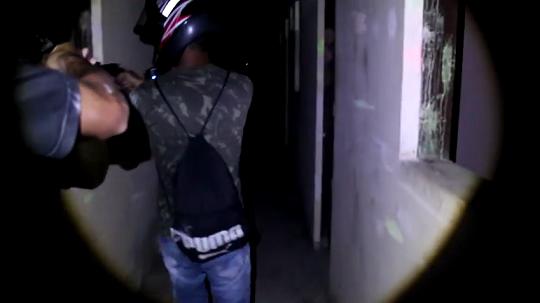 Galera do canal Bolado 13 do Youtube invadem mansão abandonada às 03 da manhã em Limoeiro