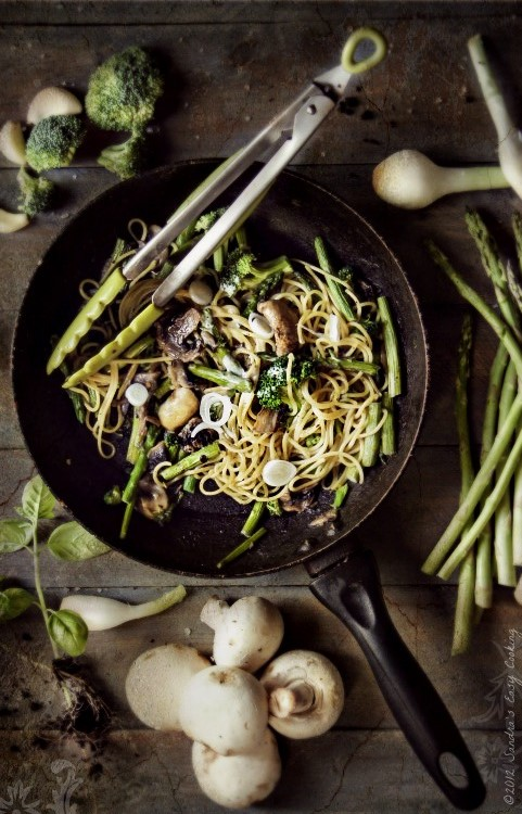 Delcious homemade Green Summer Spaghetti with Vegetables