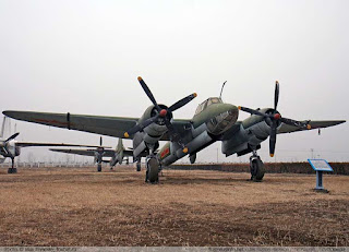 "Tupolev Tu-2 ""BAT"" Pembom Multirole"