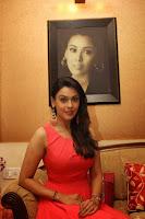 Actress Hrishita Bhatt Latest glam pics HeyAndhra