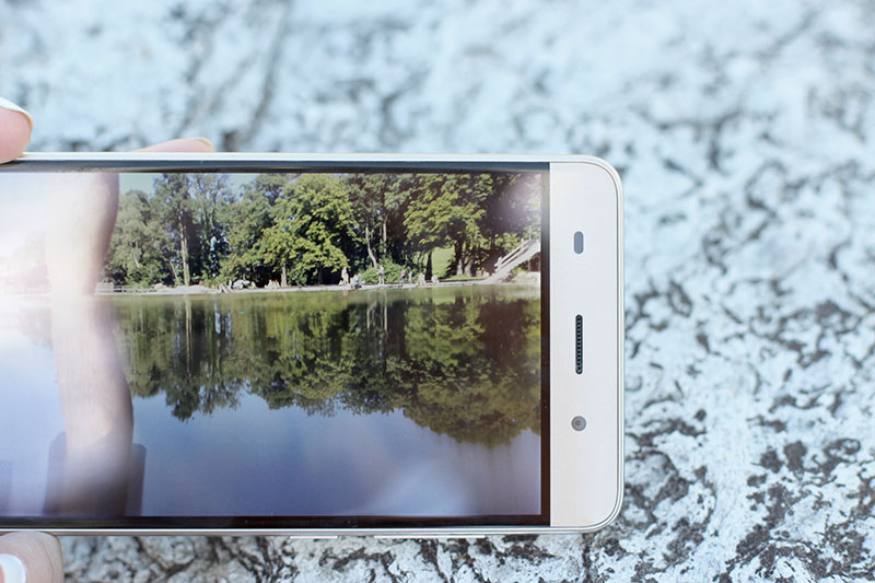 Haier-Smartphon-Android-Phone-Handy-Review-Test-Photography-Blogger-Blog-Modeblog-Fashionblog-Lifestyle-Munich-Muenchen-Lauralamode-Deutschland