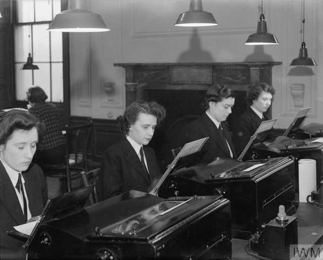 Wrens practicing their typing on 13 January 1942 worldwartwo.filminspector.com