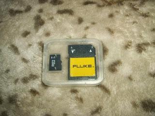 أحصل على مفتاح USB و بطاقة ذاكرة SD بصيغة 8Gb وكتيبات مجانا الى باب منزلك