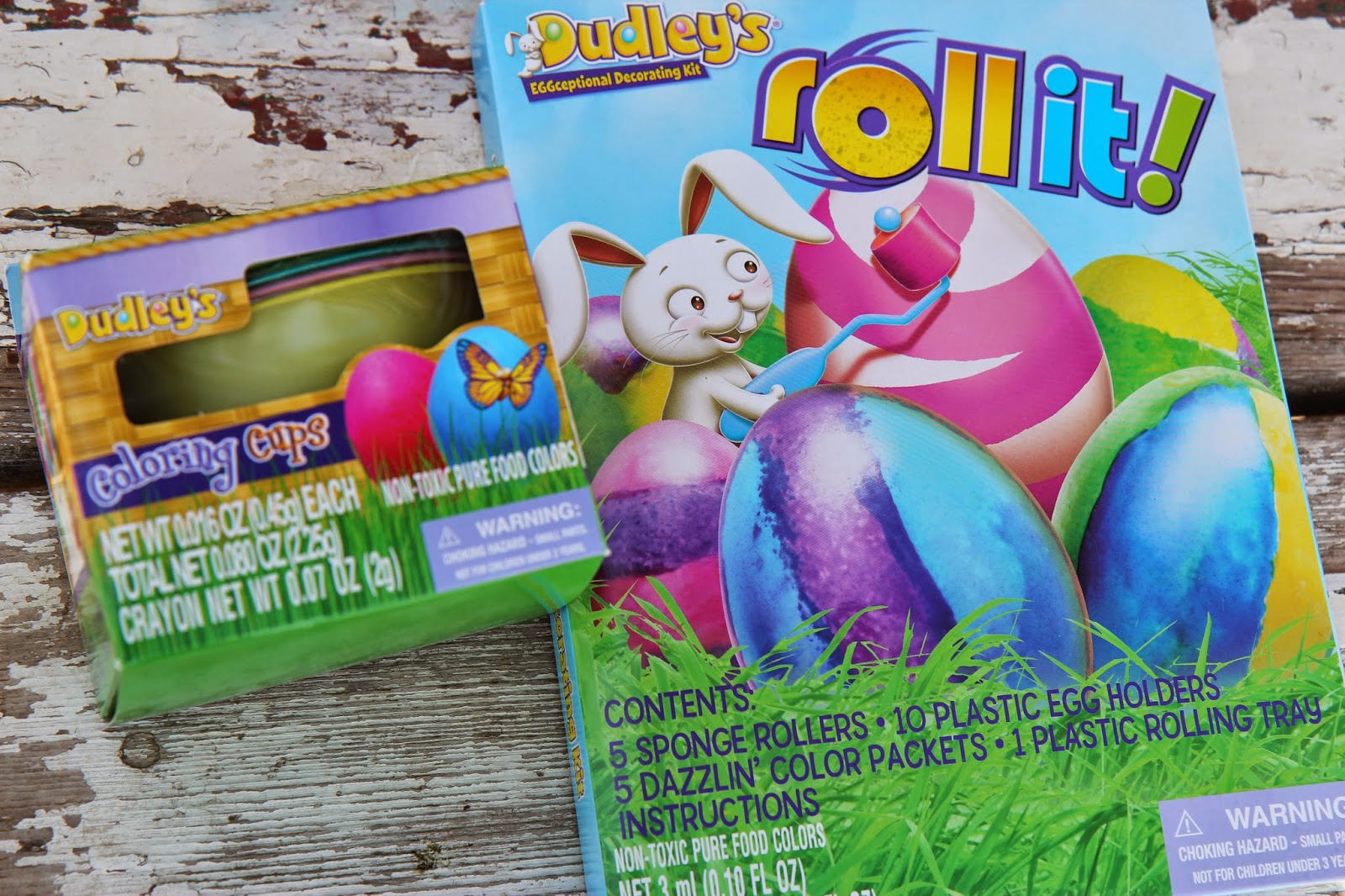 Use Plastic Eggs for No-Break Roll-Dyed Easter Decorations | Lille ...