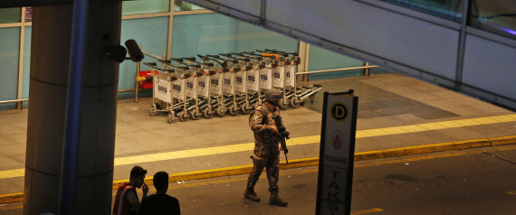 شرطي تركي حاول إيقاف منفذ الهجوم قبل أن يفجر نفسه