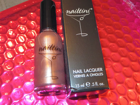 ipsy Review: Nailtini Nail Lacquer in Champagne