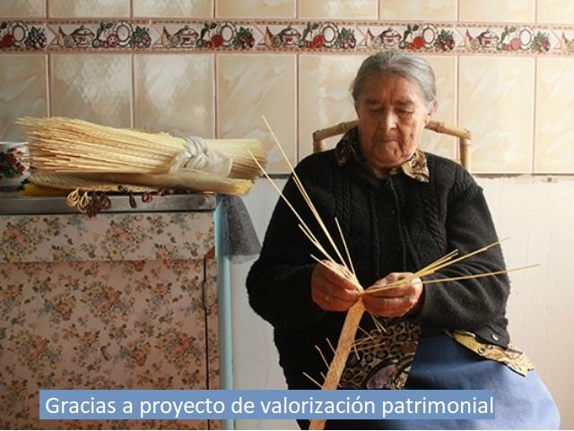 San Carlos Online  Colchanderas revitalizan su artesanía en Quirihue 53569b87415