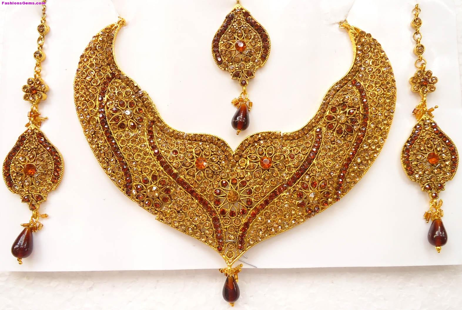 gold jewellery in Dubai - Image Wallpapers