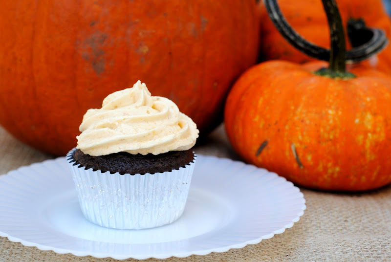 Semi-Homemade Pumpkin Spice Cupcakes with Chocolate Chips (easy chocolate cupcakes)