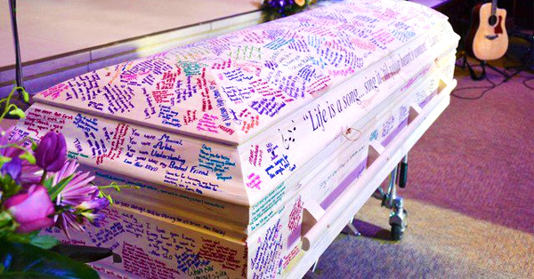 She Lost Her Battle With Cancer Before Graduation, Here's What Her Classmates Did With Her Coffin!