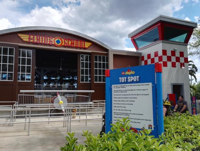 Floridan Legoland Orlandossa - pienten lasten kanssa. Sopii myös taaperoille!