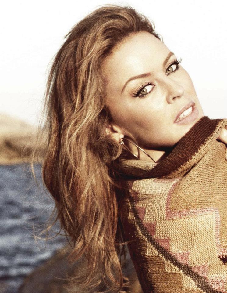 New Kylie Summer Lip Kit Swatches On Dark Skin: New Kylie Interview: Paris Match Magazine