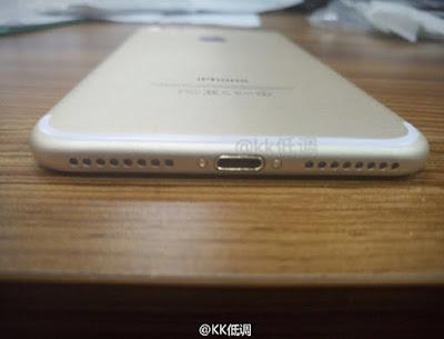 iPhone 7 Leaked Bottom