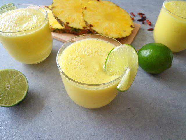 Koktajl antycellulitowy z ananasa i limonki (Smoothie anticellulite con ananas e lime)