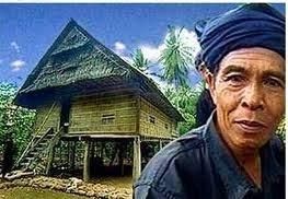 Rumah Adat dan kepala adat Suku Kajang