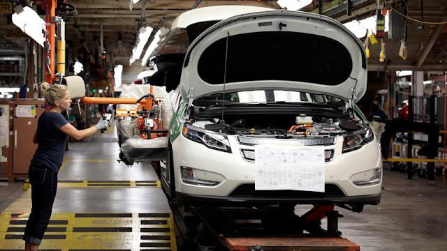 """""""Tecnología para exportar al mundo"""": Presentan los primeros autos eléctricos fabricados en Argentina"""