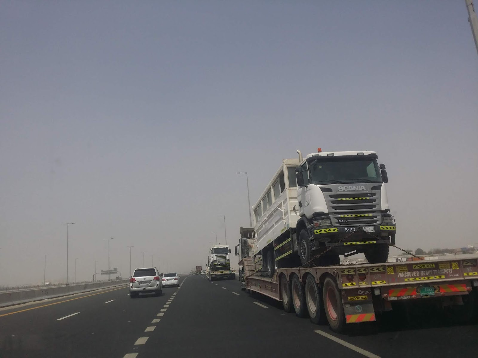 Abdu Dhabi - Scannia Truck loaded on Tripper Triller Mafraq
