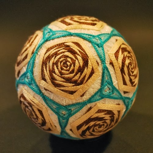 13-Embroidered-Temari-Spheres-Nana-Akua-www-designstack-co