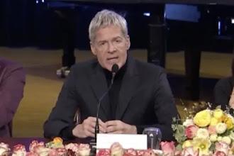 """Sanremo 2019, Baglioni sui migranti scatena la polemica. La direttrice di Ra1: """"È stato un comizio"""". Rossi del Cda Rai: """"Fuori luogo"""""""
