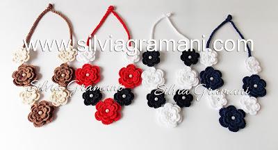 Colares com Flores de Crochê