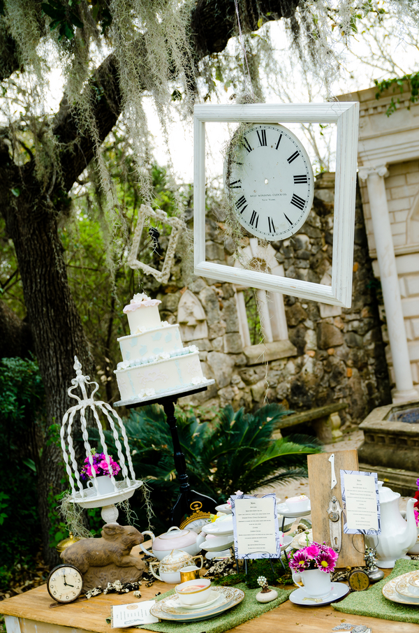 alice+in+wonderland+tea+party+shabby+chic+offbeat+ & Alice Getting Married