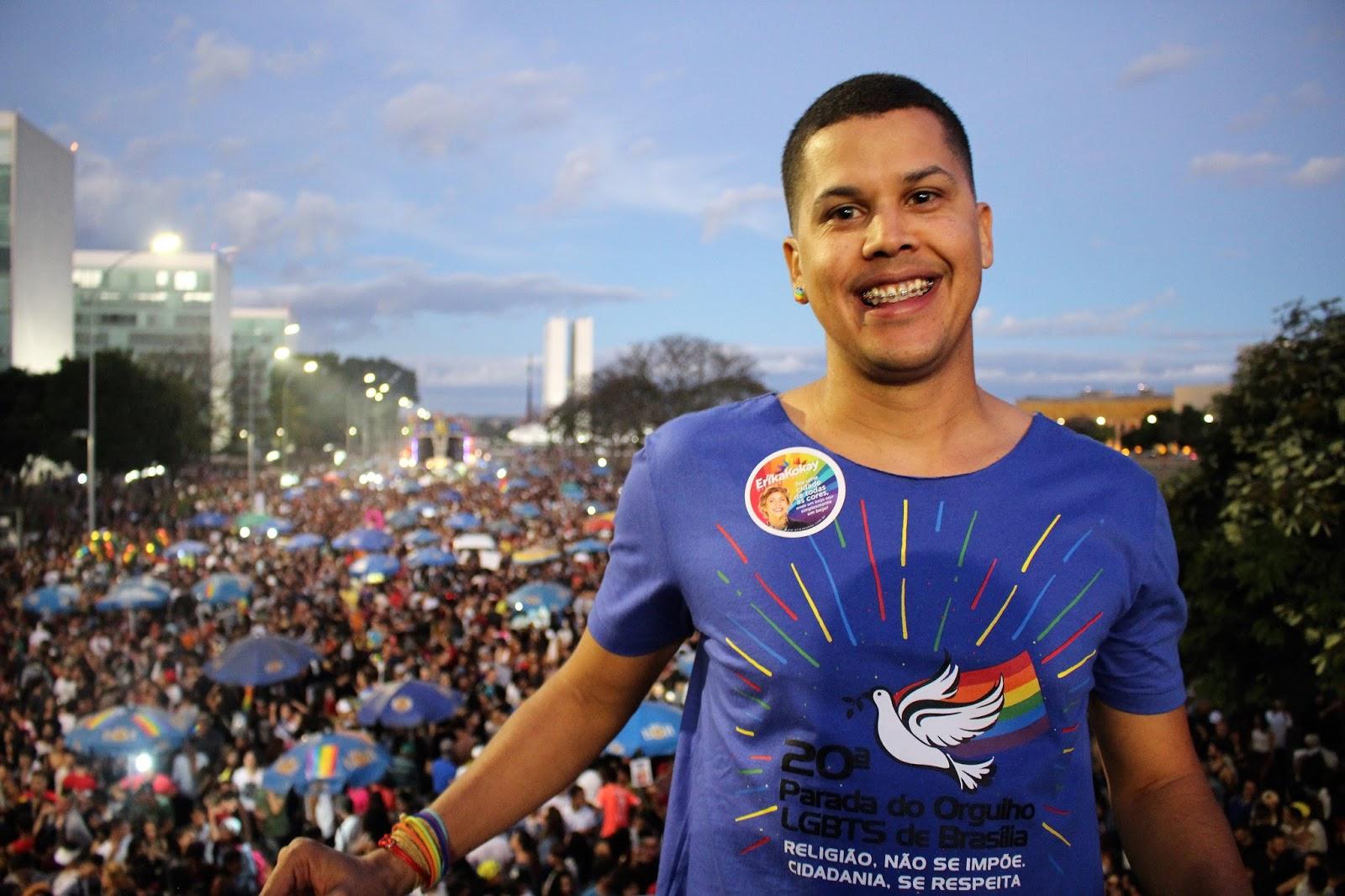 Em defesa do Estado laico e celebrando lei, parada de Brasília reúne 60 mil pessoas