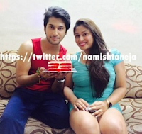 Foto Namish Taneja dengan adiknya