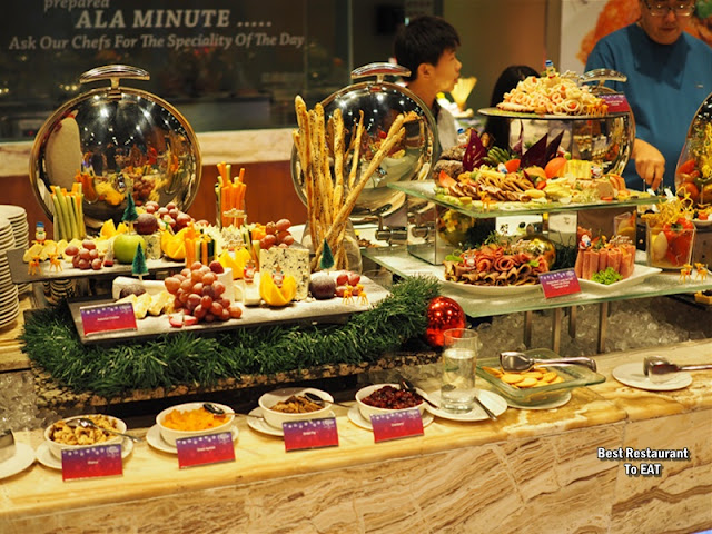 CINNAMON COFFEE HOUSE ONE WORLD HOTEL PETALING JAYA - NEW YEAR 2020 Menu - Cheese and Cold Cut Selection