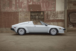 BEST PHOTOGRAPHY 1985 LAMBORGHINI JALPA