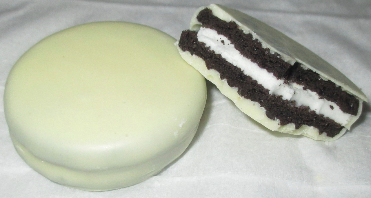 Foodstuff Finds White Chocolate Oreos At Morrisons By At Cinabar