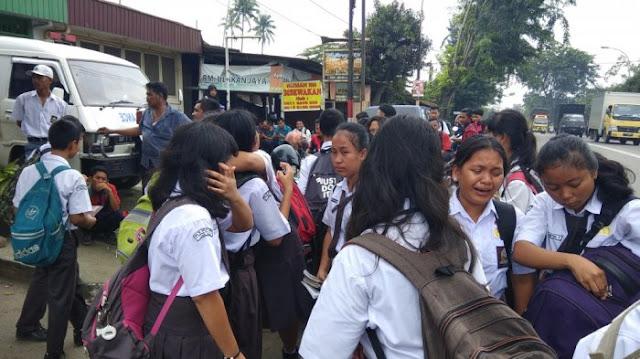 Suasana Rumah duka (Richard) Jalan Lintas Sumatera, Tanjung Morawa, Deliserdang, Rabu (15/11/2017).