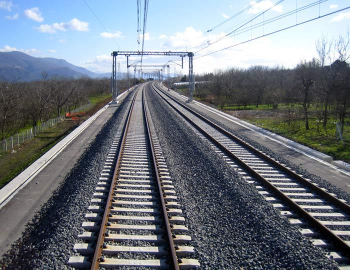 Sale Blu Ferrovie : Rete ferroviaria italiana: attivo il nuovo numero telefonico per