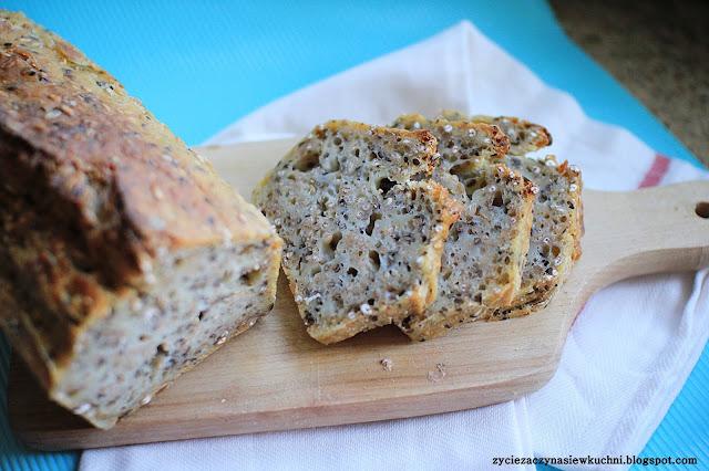 Chleb orkiszowo – żytni z ziarnami