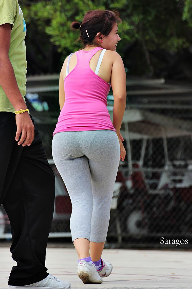 Curvy Milf Latina In Gray Lycra Showing Pawg Vpl -4343