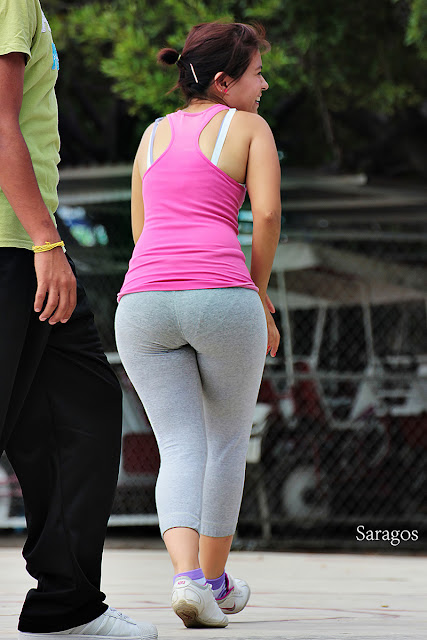 Curvy milf latina in gray lycra showing pawg VPL