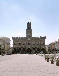Piazza Garibaldi in Casalmaggiore, looking towards Palazzo Comunale