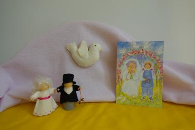 Pentecost waldorf nature table Pinksterbruidspaar Atelier de Vier Jaargetijden antroposofisch