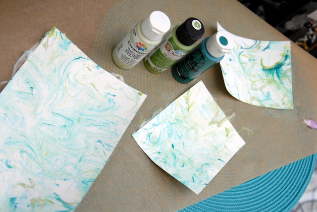 Make marbled paper with shaving cream~anartfulmom.com