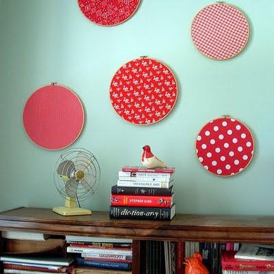 La guarida de bam ideas para decorar con bastidores - Decorar pared con tela ...