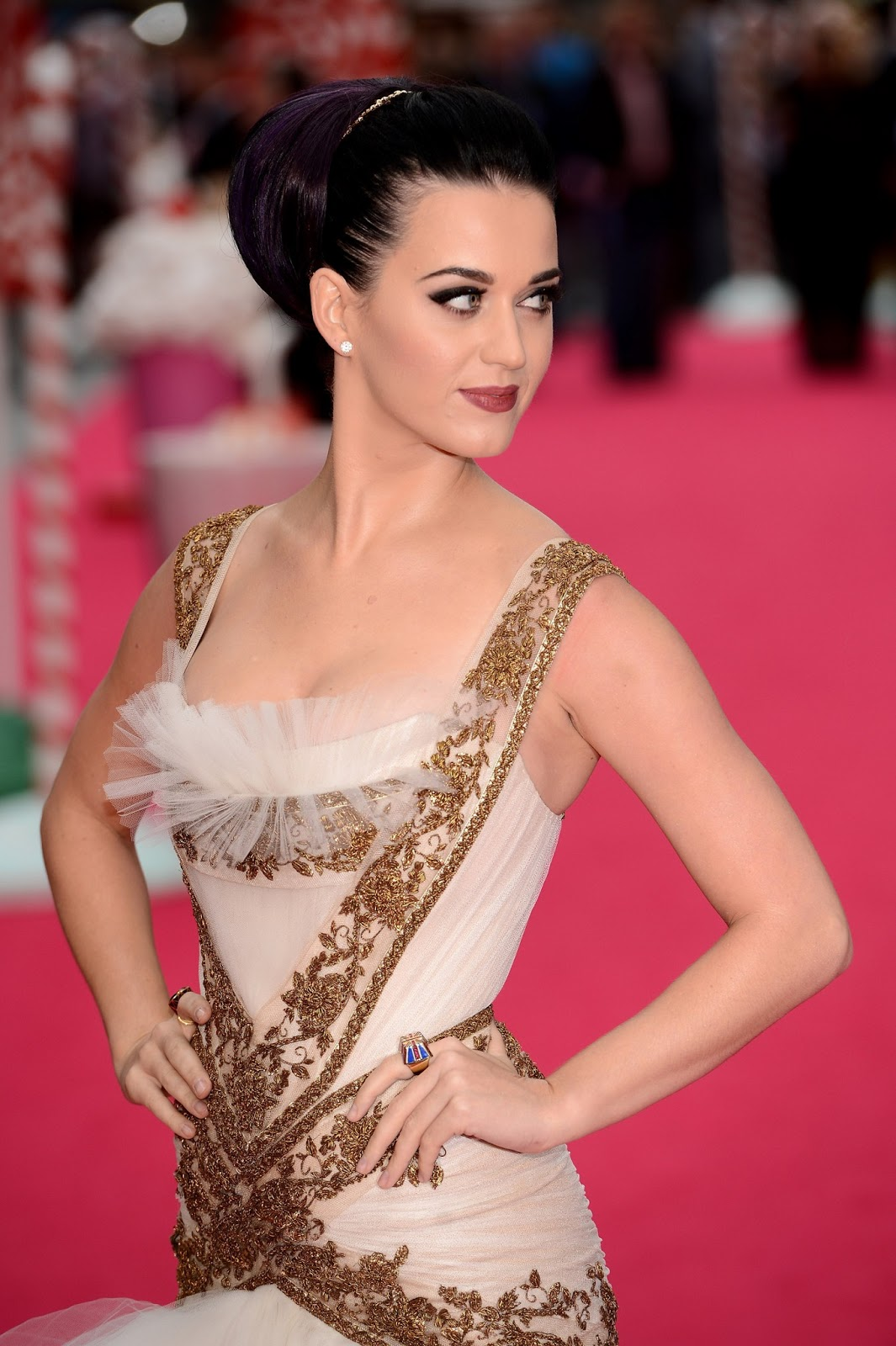 Wikimise: Katy Perry wiki and pics