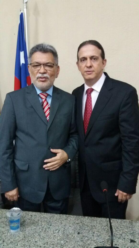 """""""Temos que melhorar a qualidade de vida dos caxienses"""", disse Catulé ao assumir presidência da Câmara em Caxias"""