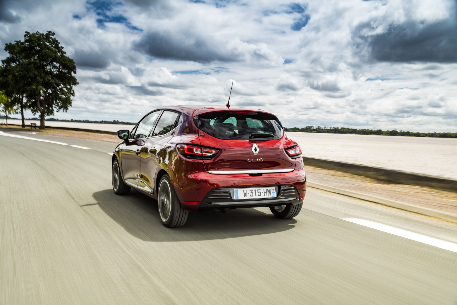 Renault Drops More Images Of The Updated Clio | Carscoops