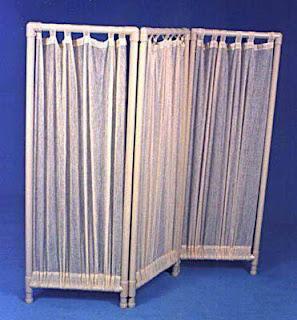 mampara con cortinas y tubos de pvc