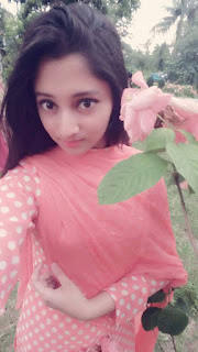 Puja Cherry Roy Selfie In Garden