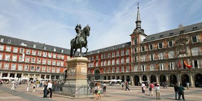 Puerta del Sol, Gerbang Matahari di Madrid Spanyol