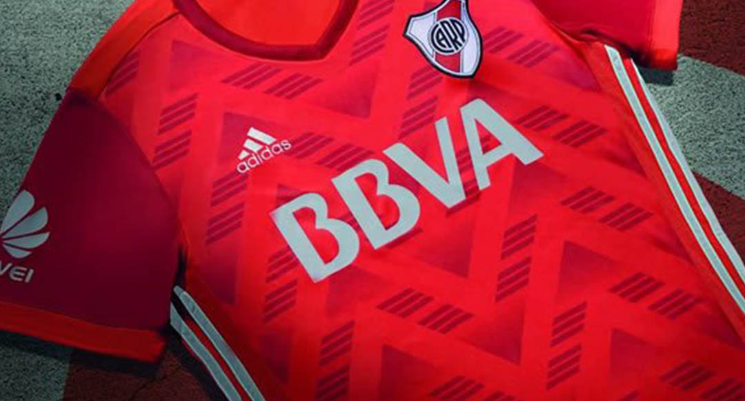 b7fff2565 The new River Plate 2017-2018 away jersey has been released yesterday. The River  Plate 17-18 kits again feature BBVA as main sponsor.